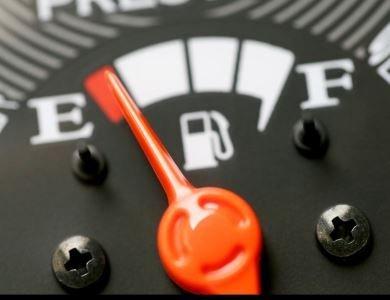 Curiosidades, Entretenimento, Jornalismo, Comunicação, Marketing, Publicidade e Propaganda, Mídia Interessante gasolina_1 10 Dicas do Manual do Mundo para economizar gasolina do carro Curiosidades Vídeos  10 Dicas do Manual do Mundo para economizar gasolina do carro